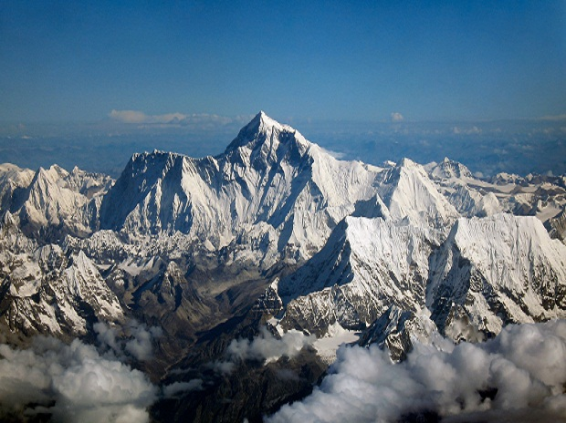 Everest Top Sherpas Condemn The Mountain Debris Cleaning Scheme Of Nepal